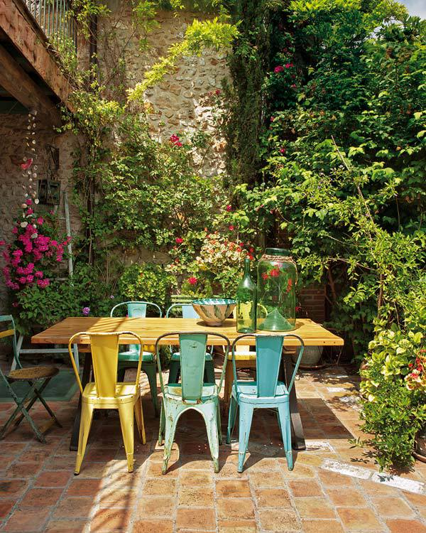 8 Outstanding Outdoor Dining Areas